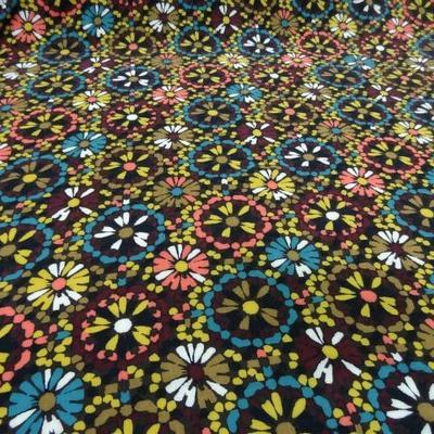 Coton viscose imprimé fleurs ton marron-jaune-bleu 1