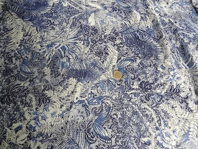 Coton viscose motif papillon bleu blanc 1