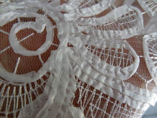 résille motifs tissu cousu façon guipure blanc 04
