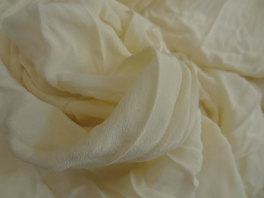 Crêpe de soie crème 01