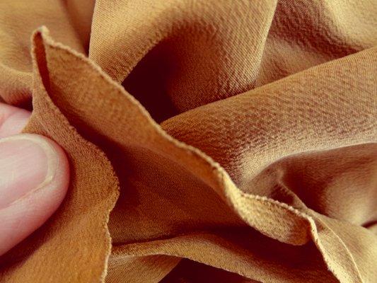 Crêpe de soie fauve 02