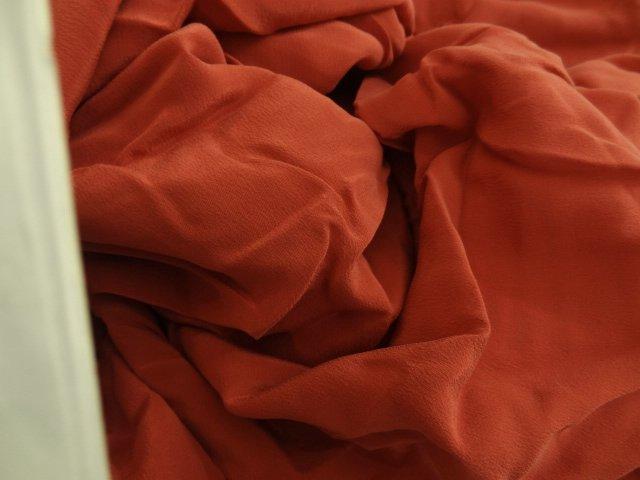 Crêpe de soie rouge tomette 01