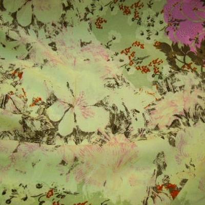 Crepe lycra pistache fleurs glycine 1
