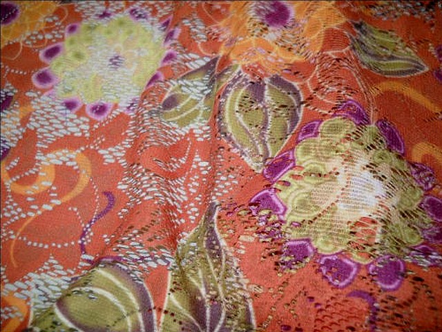 Dentelle resille sienne brulee motif fleuri 3