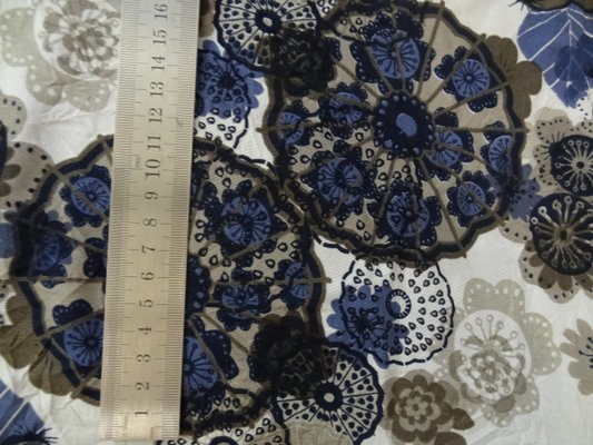 polyester fin blanc fleurs irréelles 02