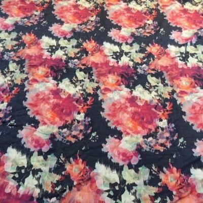 Jersey viscose fleurs a facettes 01