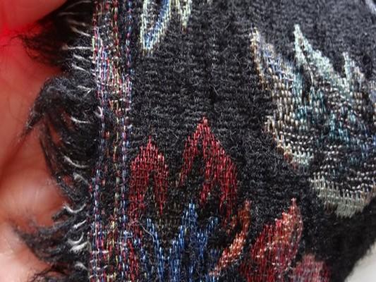 Lainage tapissier noir 5