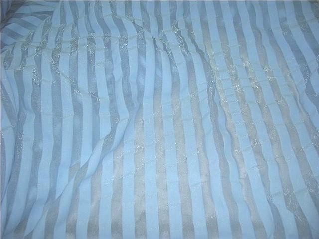 Lycra bleu ciel rayures transparentes 2 1