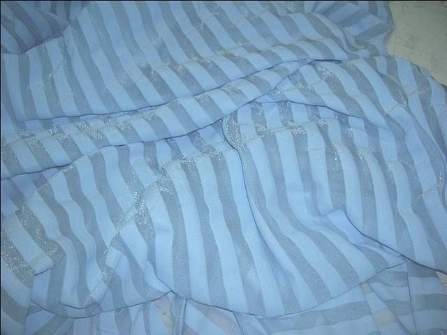 Lycra bleu ciel rayures transparentes 3