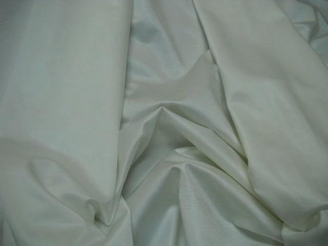 Lycra satine blanc casse 1