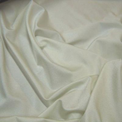 Lycra satine blanc casse