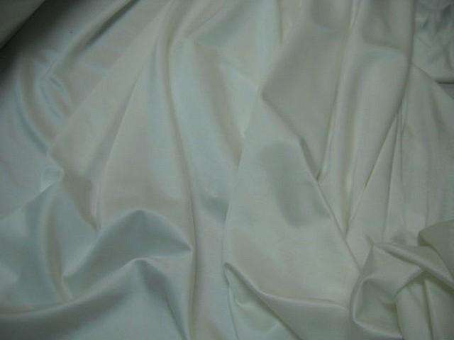 Lycra satine blanc casse 5