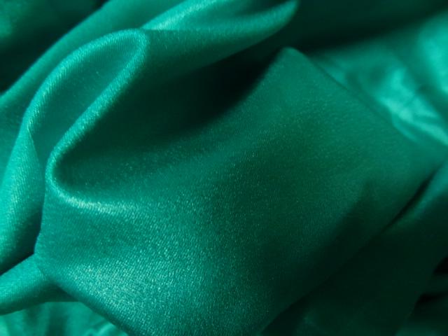 Lycra satine vert malachite 4