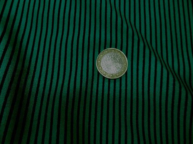 Lycra vert satine a rayure noire2