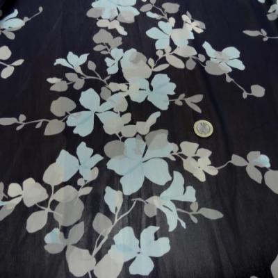Mousseline bleu marine imprimee fleurs pastel 3
