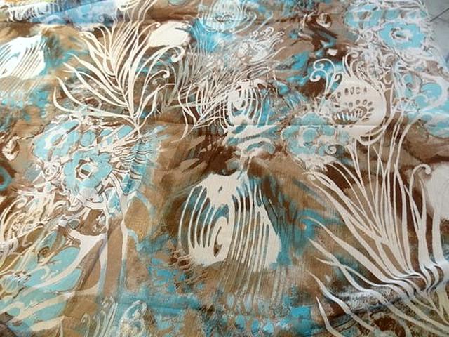Mousseline chiffon chaos fleurs taupe bleu blanc 1