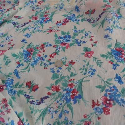 Mousseline crépon polyester grège fleuri 01