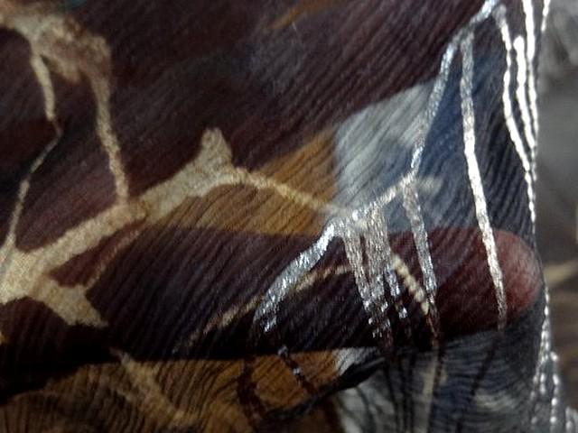 Mousseline de soie chiffon pavots beiges et argentes 3