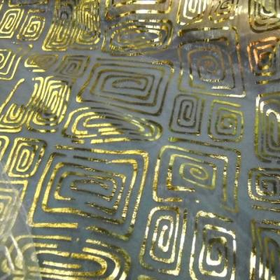 Organza blanc nacre spirales dorees 1