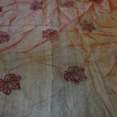 Organza rouge surbrode feuille 2