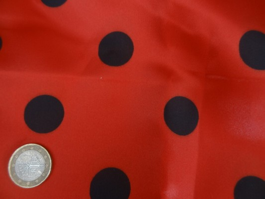 Satin polyester rouge pois noirs 02