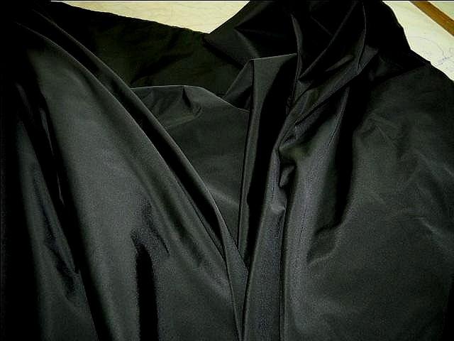 Taffetas noir avec de la tenue 2