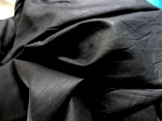 lin noir uni 3