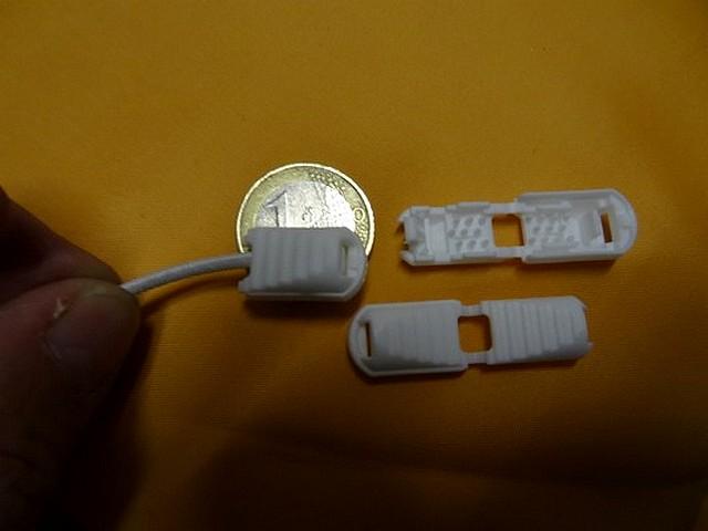 Arret plastique blanc pour cordon survetement 3