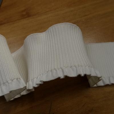 Bande elastique large blanc casse a volant 1