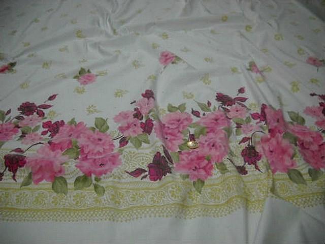 Bengaline lycra blanche embase fleurie rose 1