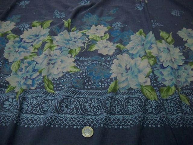 Bengaline lycra bleu jean embase fleurie blanc bleu sarcelle 1