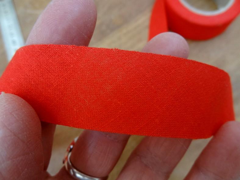 Biais coton rouge vermillon a plat 22 mm 2