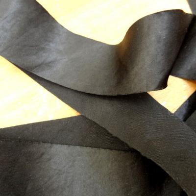 Biais satin noir a plat 30 mm 1