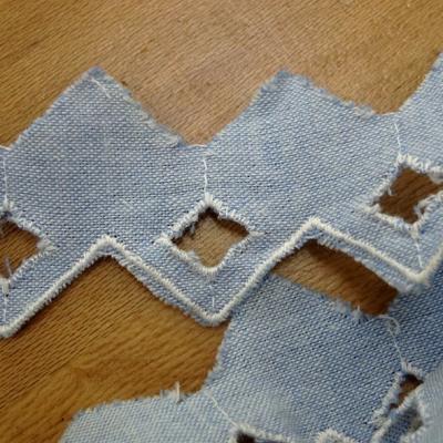 Bordure a coudre bleu chambray brode zig zag 3