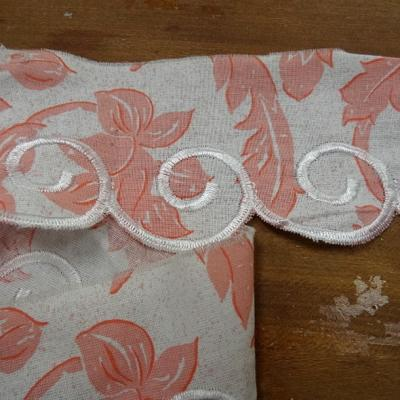 Bordure coton blanc rose the broderie spirale 1
