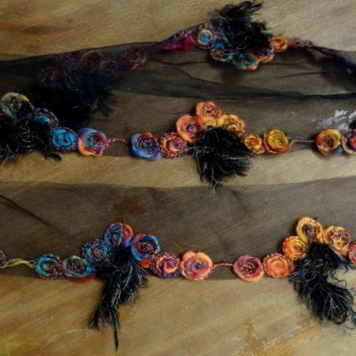 Bordure sofia resille noire et laine feutree coloree 3