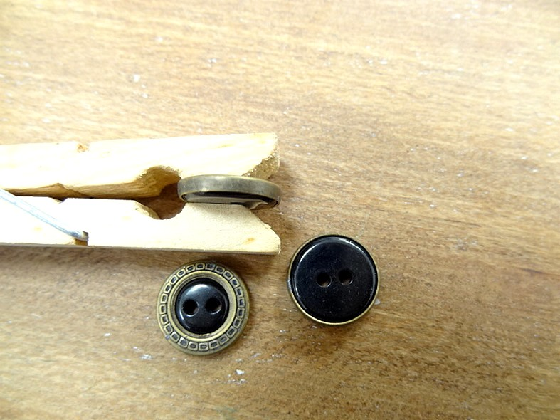 Bouton chloe noir cercle laiton 14 mm
