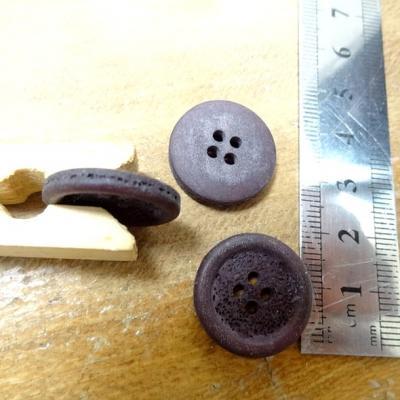 Bouton corozo aubergine granite 20 mm