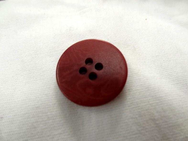 Bouton en corozo teinte fraise moire 20 mm 2