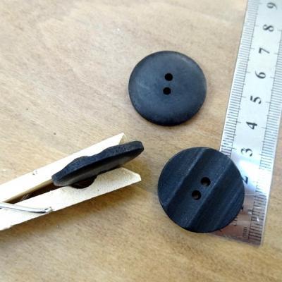 Bouton noir mat lignes en relief 30 mm 1 1