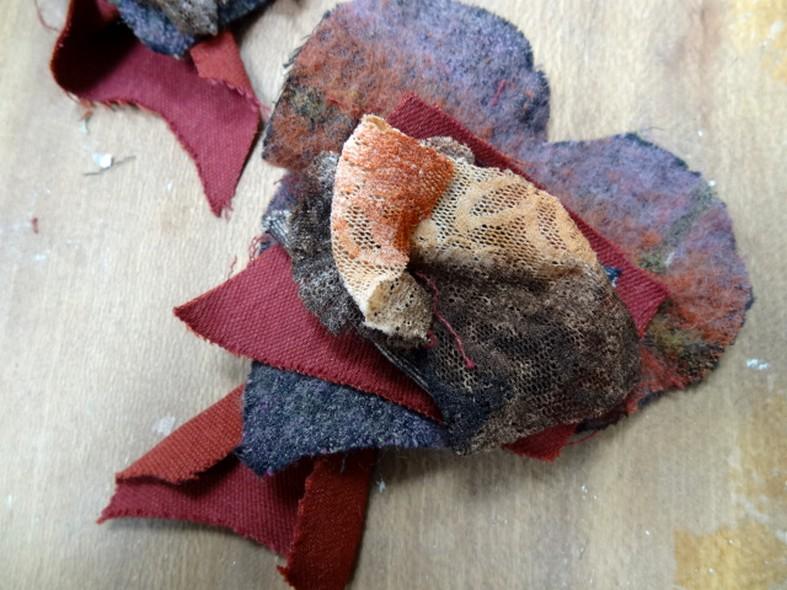 Broche a coudre coeur de laine 2