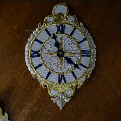 Broderie a coller horloge 01