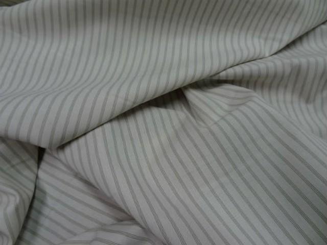 Coton blanc casse fines rayures kaki clair 2