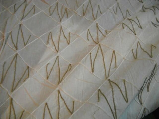 Coton blanc coutures motif carreaux et zigzag lin 2