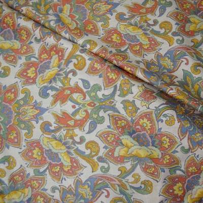 Coton blanc motif fleur exotique stylisee 1