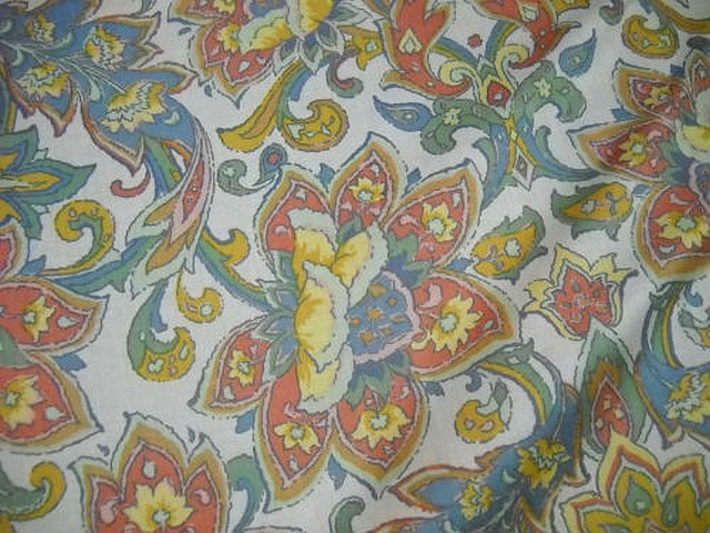 Coton blanc motif fleur exotique stylisee 2