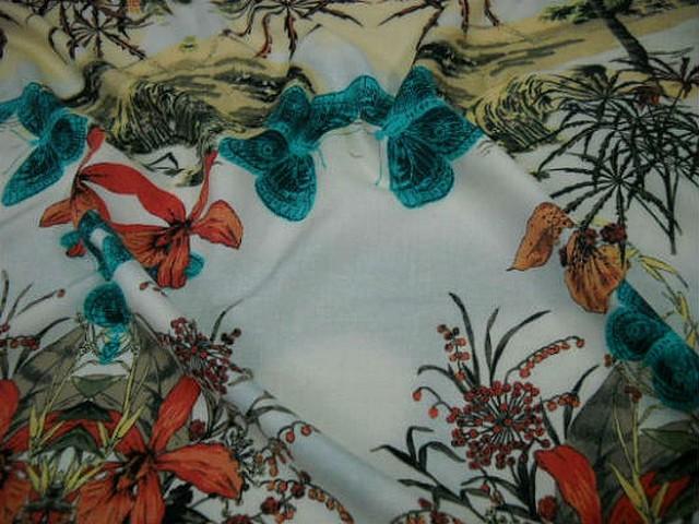 Coton blanc motifs palmier hibiscus papillon 1