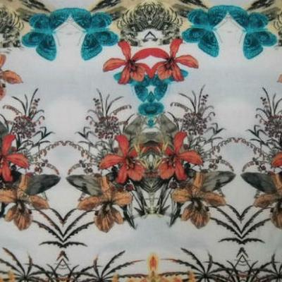 Coton blanc motifs palmier hibiscus papillon 4