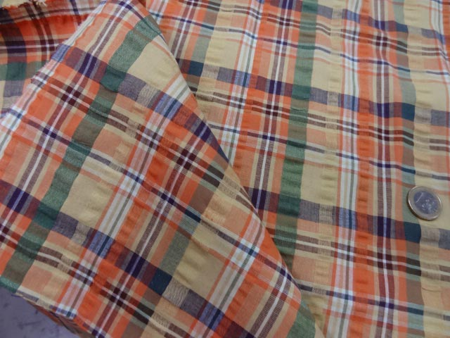 Coton cloque motif madras jaune pale et orange 1