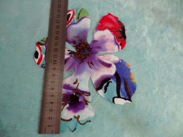 Coton colore decoupe laser fleur petit modele 02